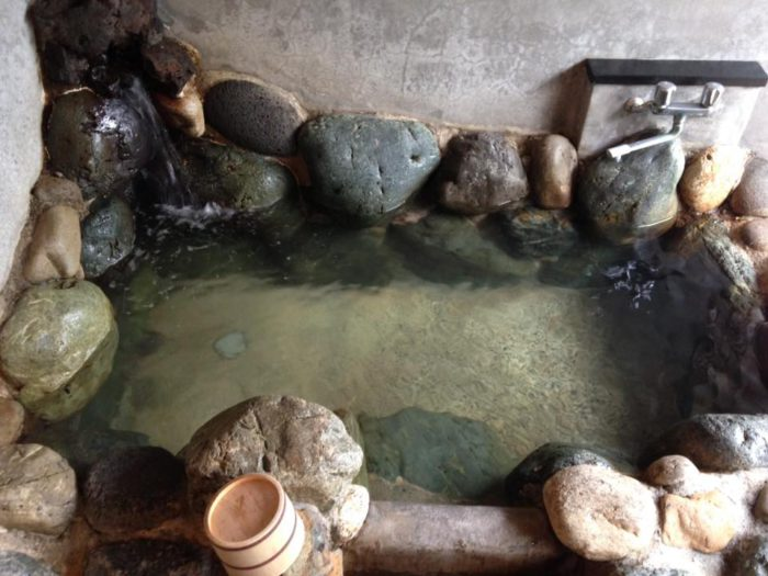 The whole natural hot spring bath is for myself only!!!